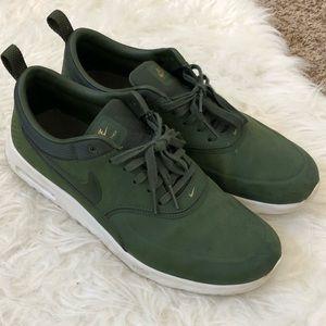 Hunter green Nike air max Thea